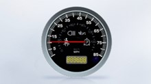 We offer up to 18 additional single gauges to complement the instrument cluster.